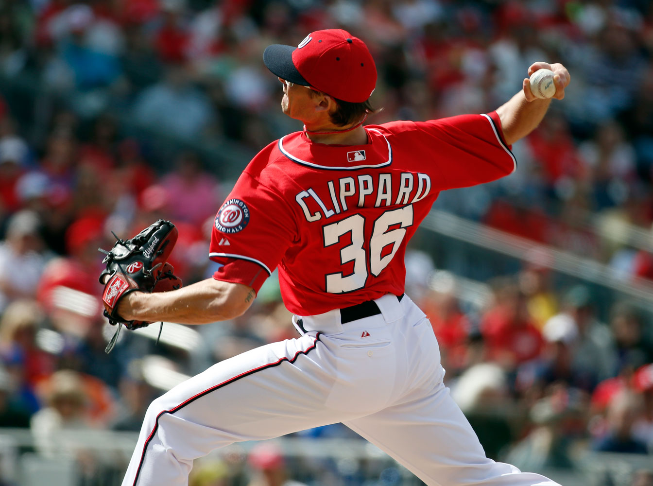 Nationals deal Clippard to Athletics for infielder Escobar