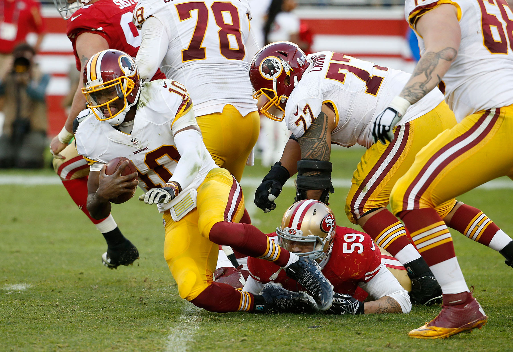 Report: RGIII benched for Sunday