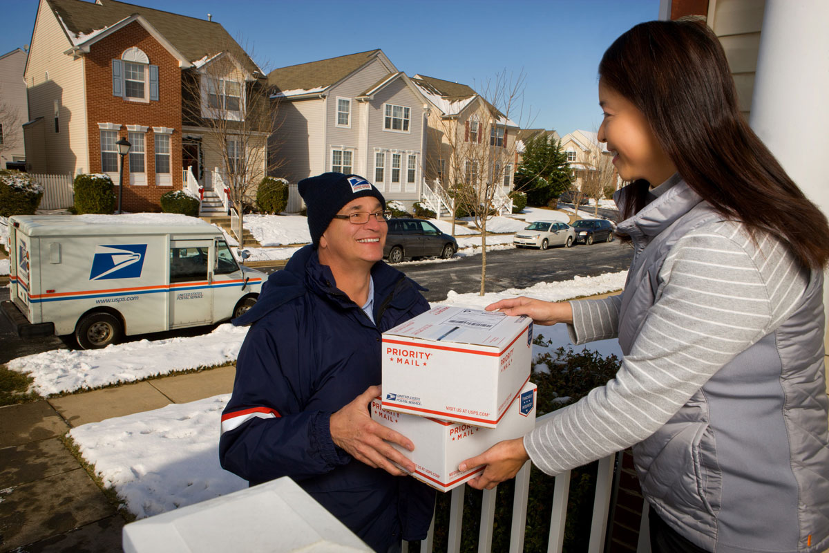 Best ways to ship your gifts this holiday season