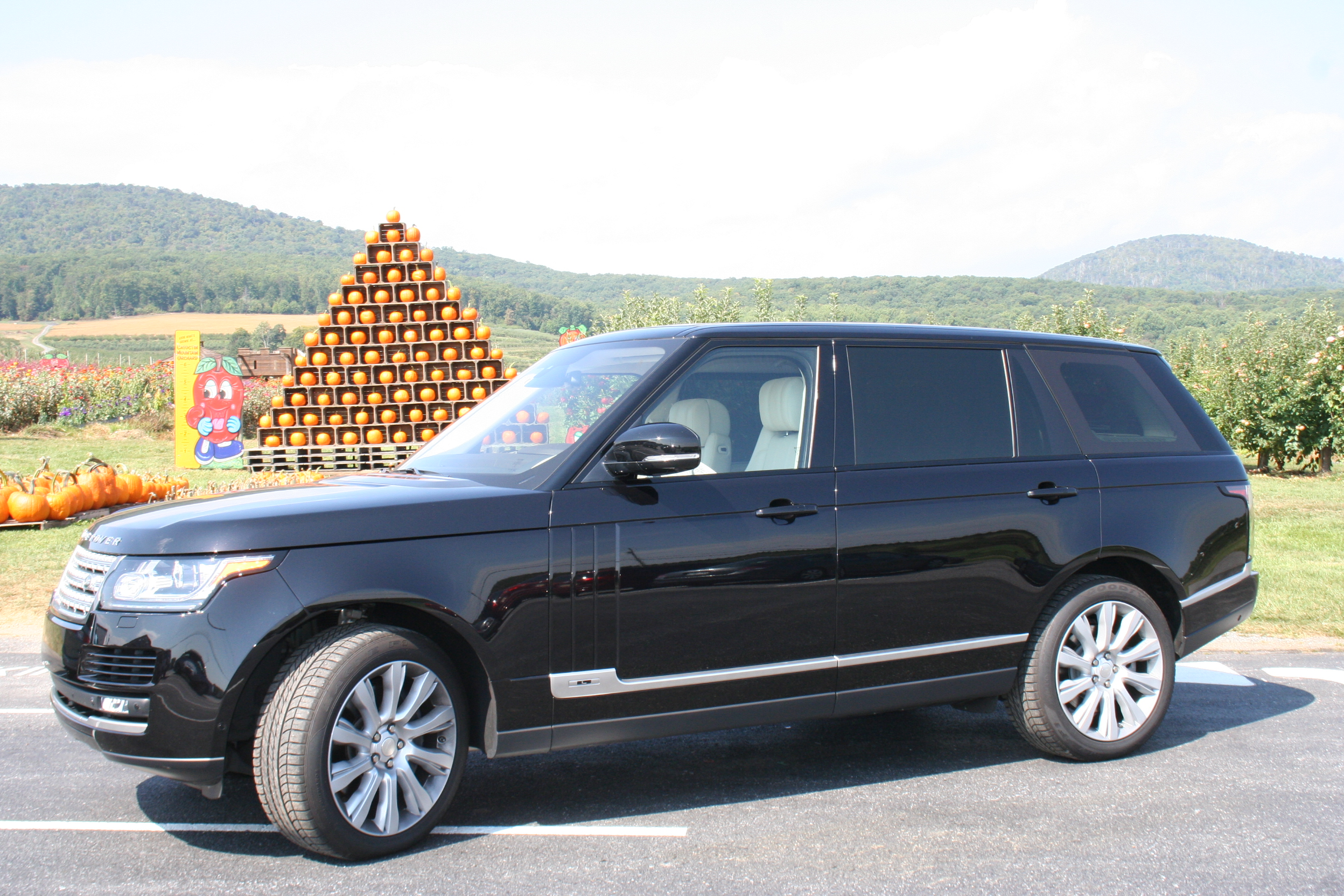 Car Report: Luxury Range Rover adds more space and comfort