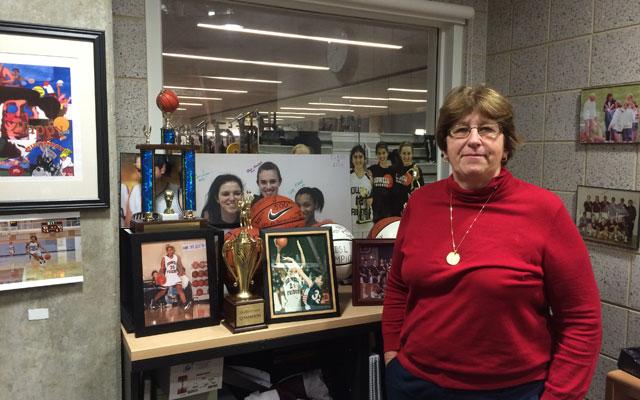 A basketball legend reaches 500 wins