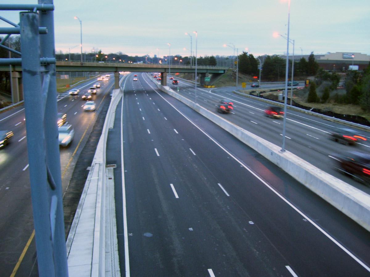 Traffic light as free rides end on 95 Express Lanes