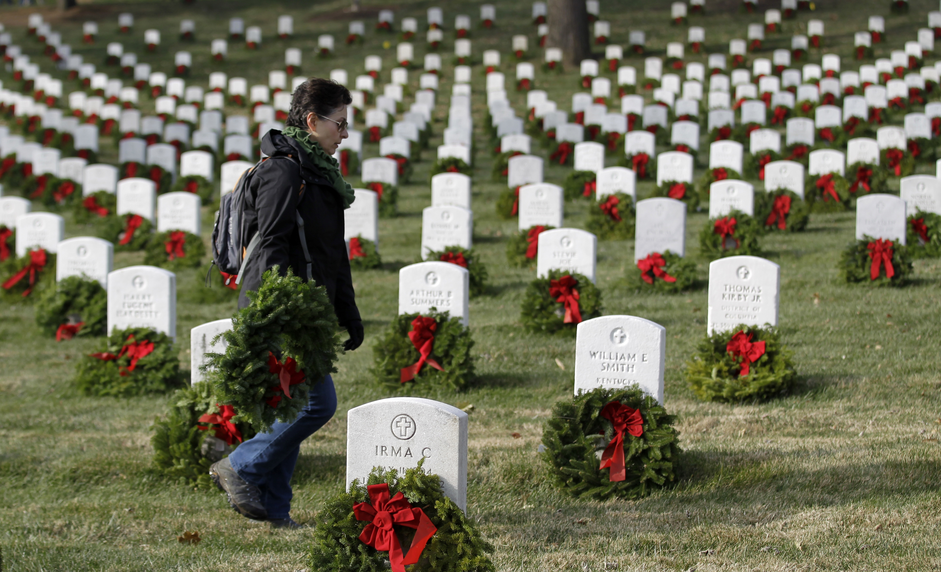 With outpouring, nonprofit reaches goal of wreaths for Arlington Cemetery