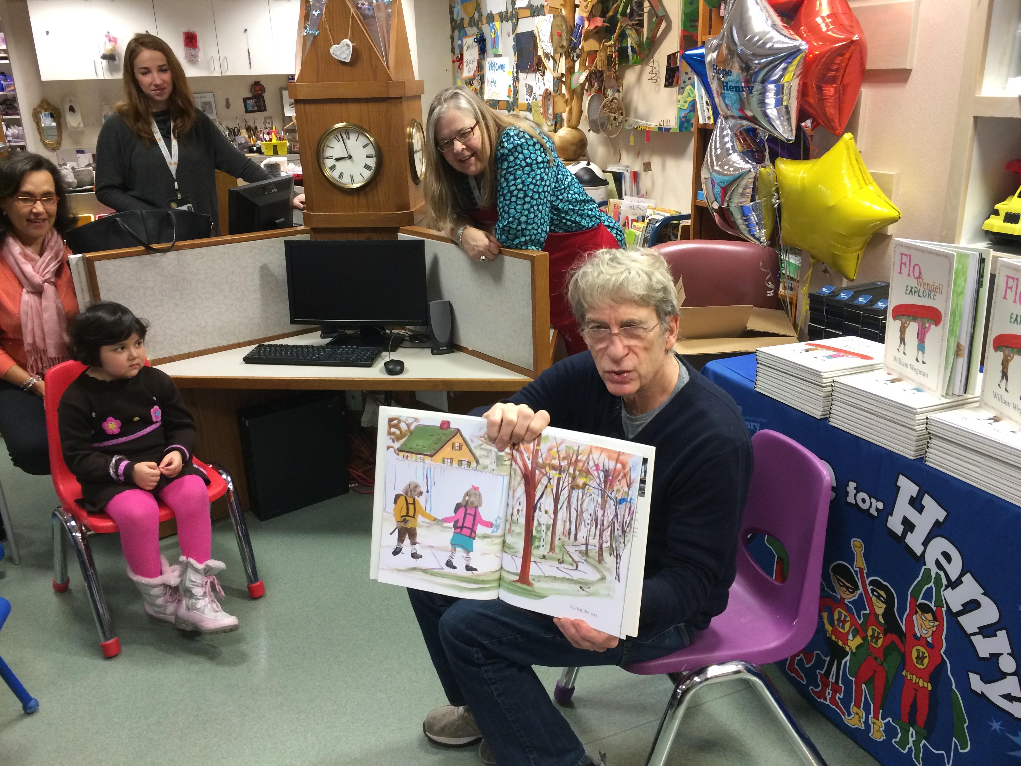 Famous photographer brings joy to hospitalized kids