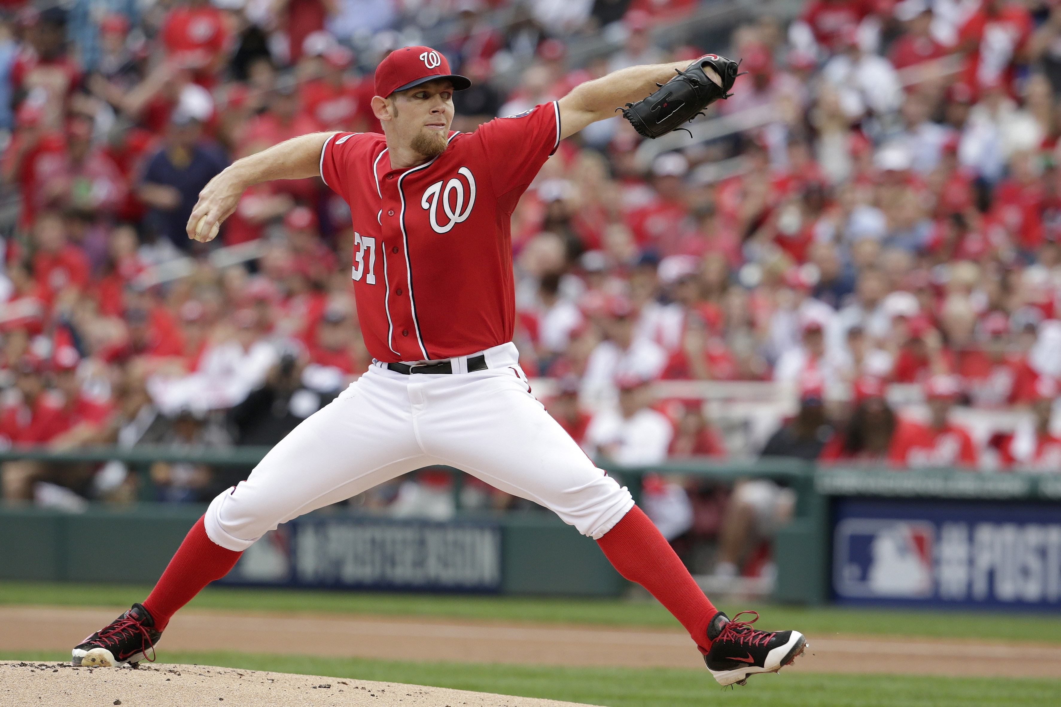 Nats sign Strasburg to 7-year extension