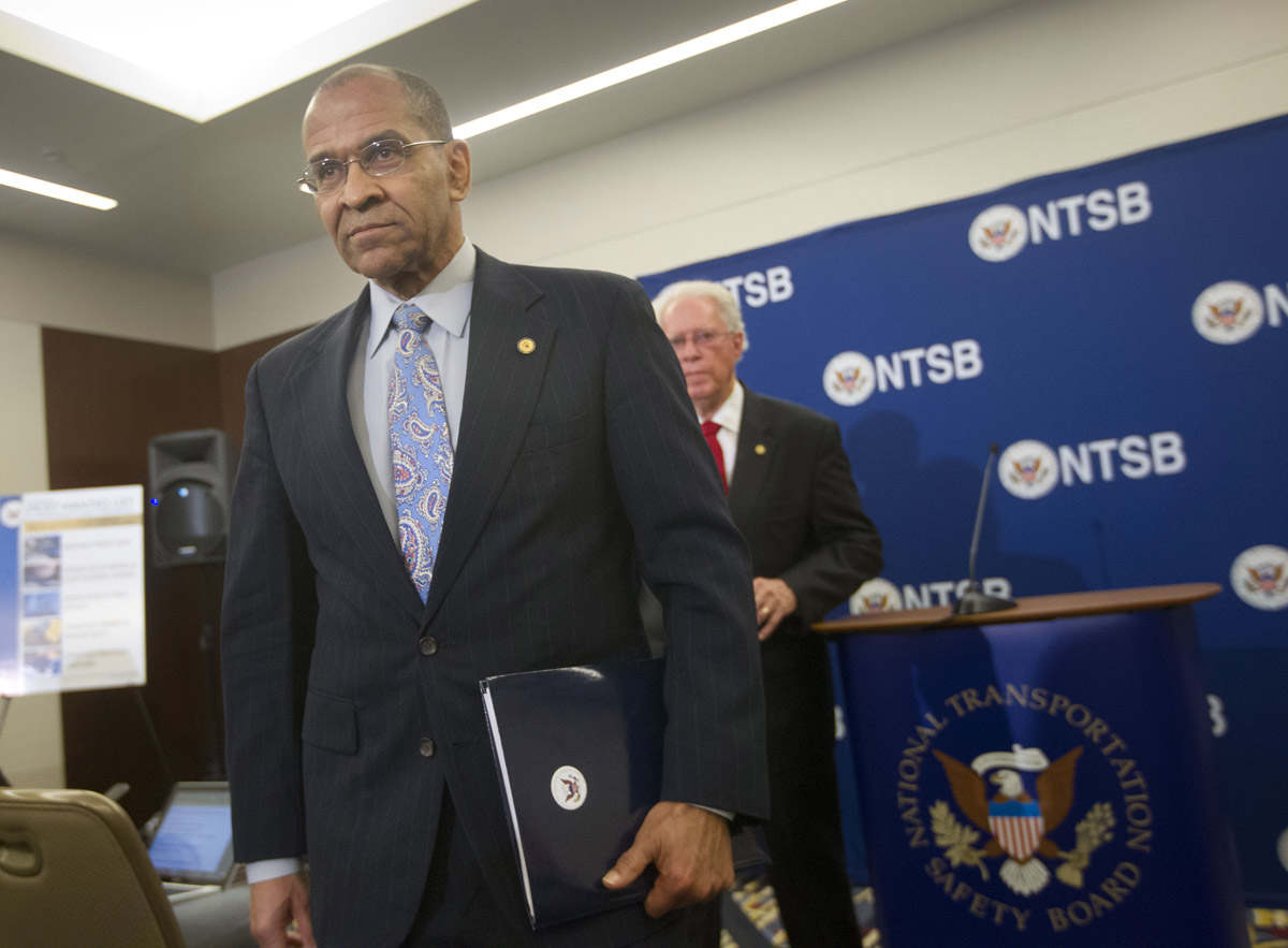 NTSB hits ground running to probe fatal Metro smoke incident