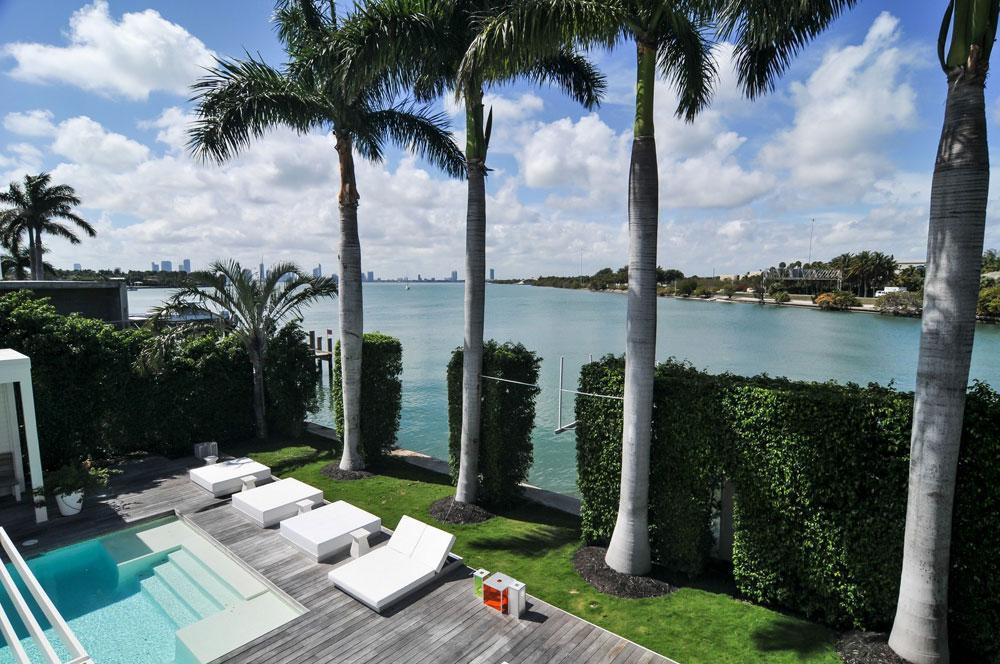 Shakira selling miami beach mansion for nearly 13m - La maison barcelona ...