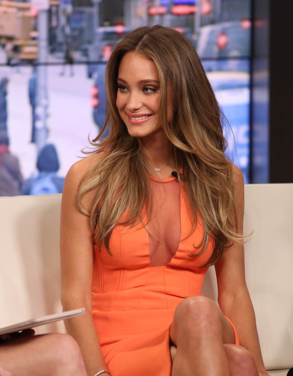 """NEW YORK, NY - FEBRUARY 10:  Hannah Davis visits """"FOX and Friends"""" at FOX Studios on February 10, 2015 in New York City.  (Photo by Rob Kim/Getty Images)"""