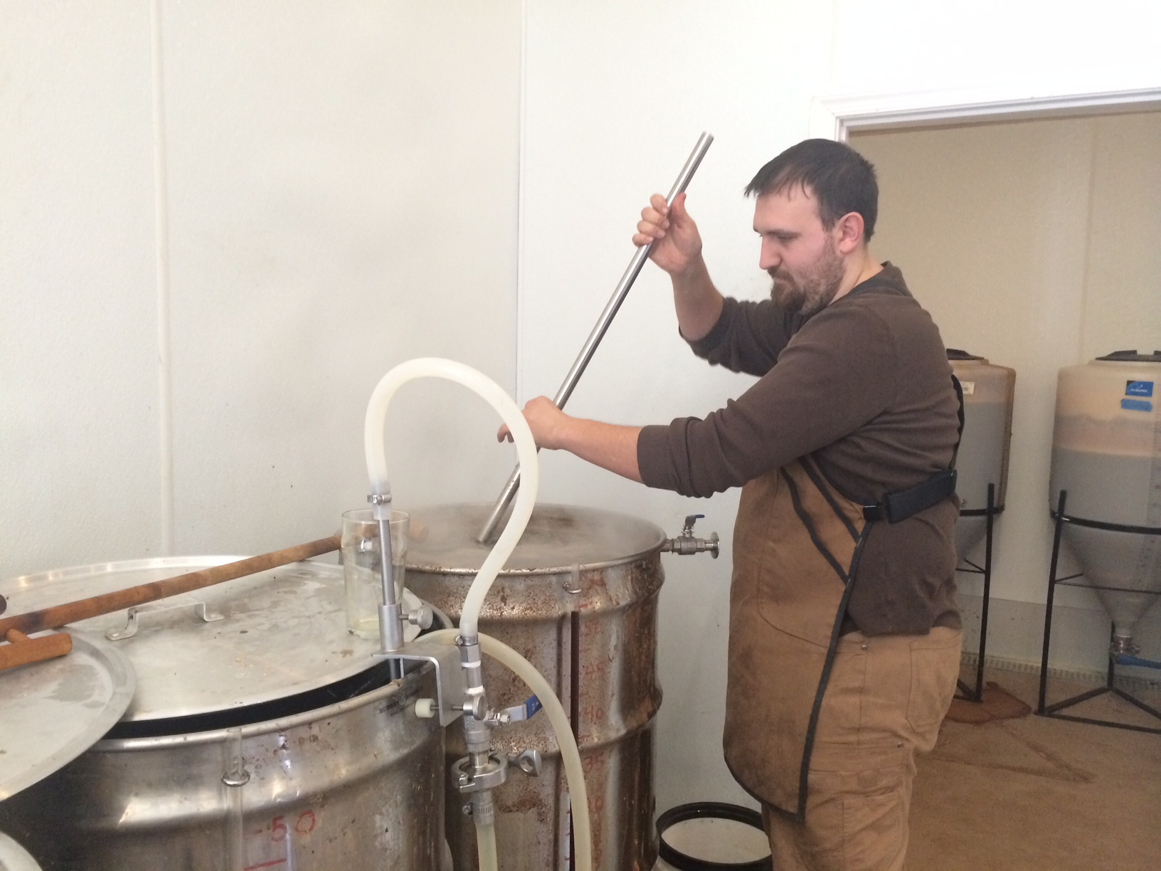 Brew master Brandon Flanigin. (WTOP/Rachel Nania)