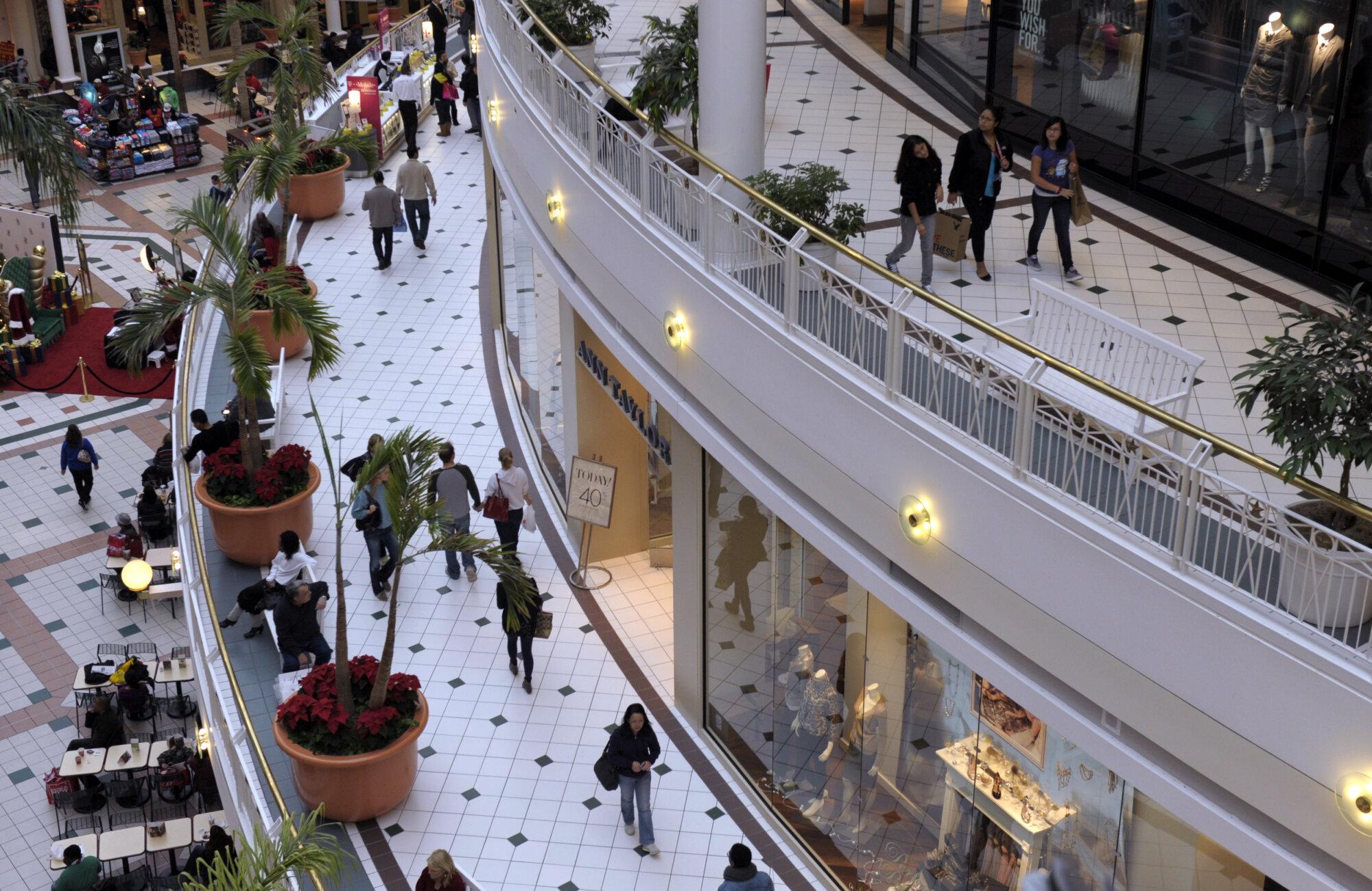 Arlington police seeking info on string of robberies, carjackings near Pentagon City mall