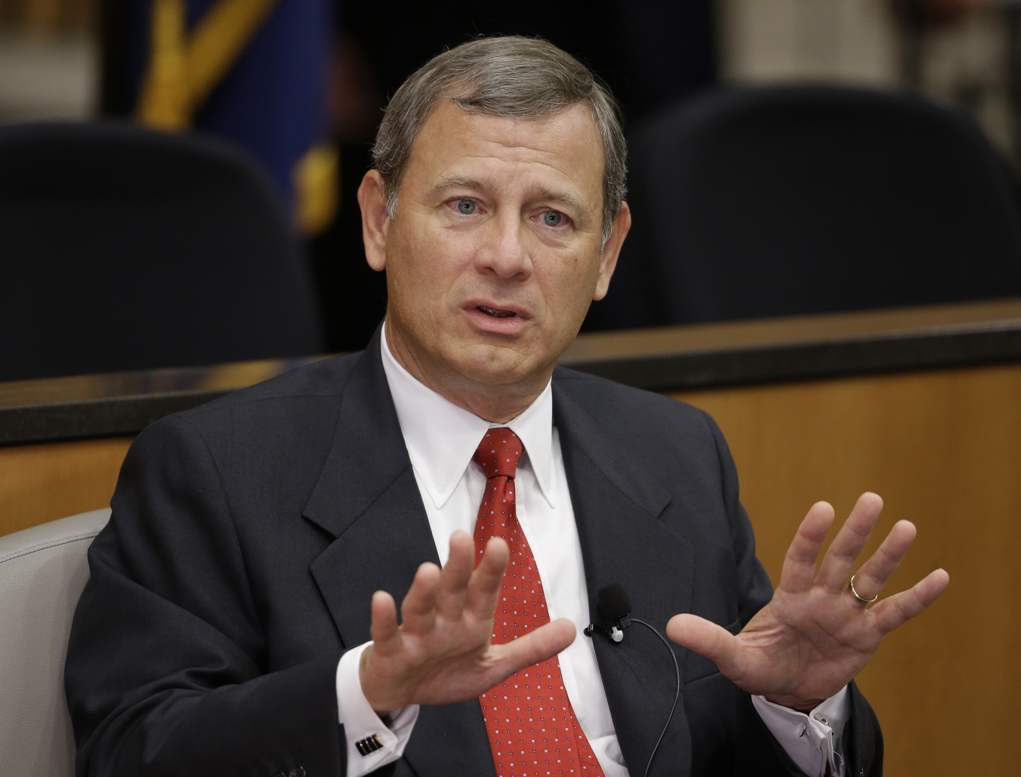 Chief Justice Roberts reports for jury duty in Montgomery Co.