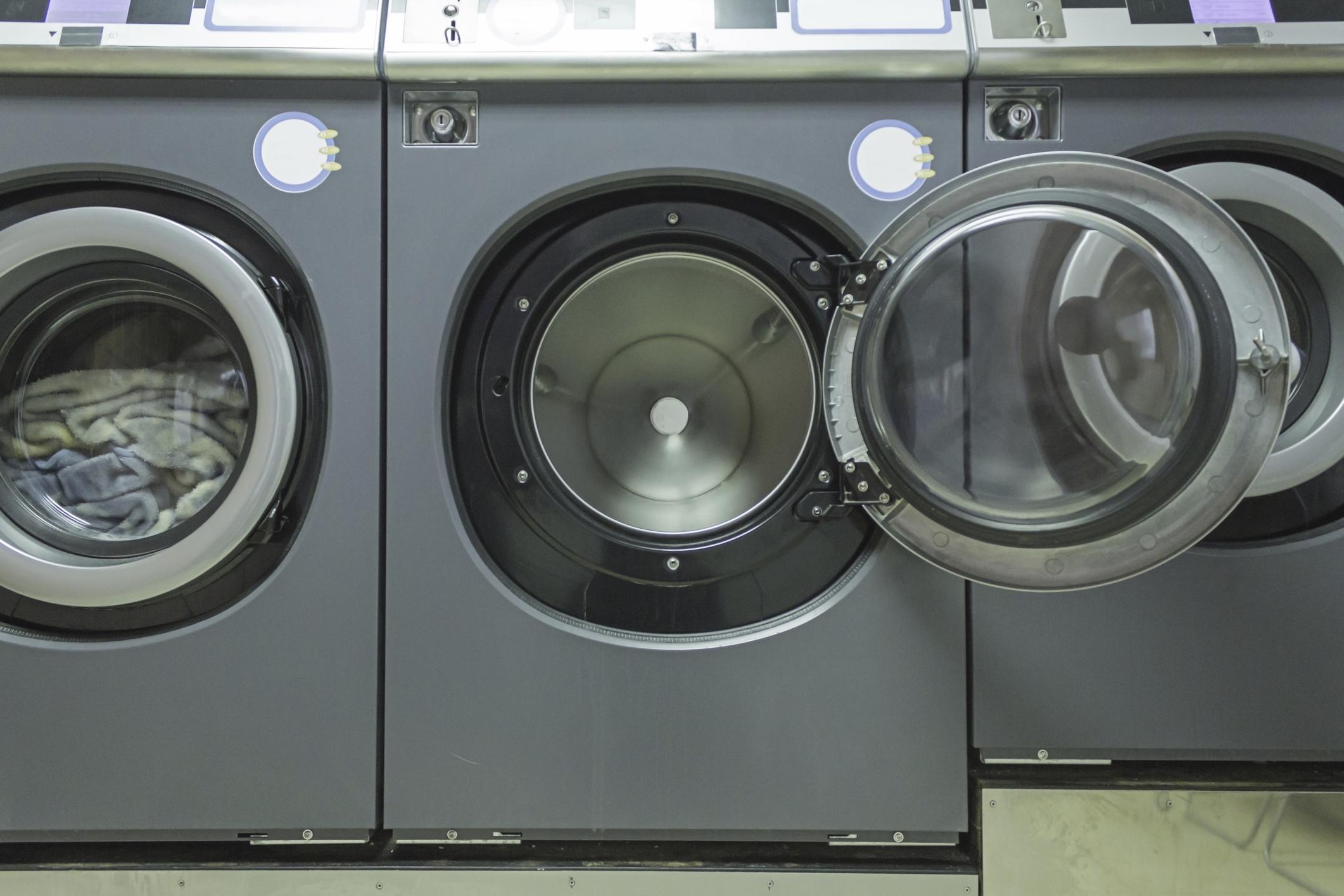 Virginia laundromat still closed after carbon monoxide scare