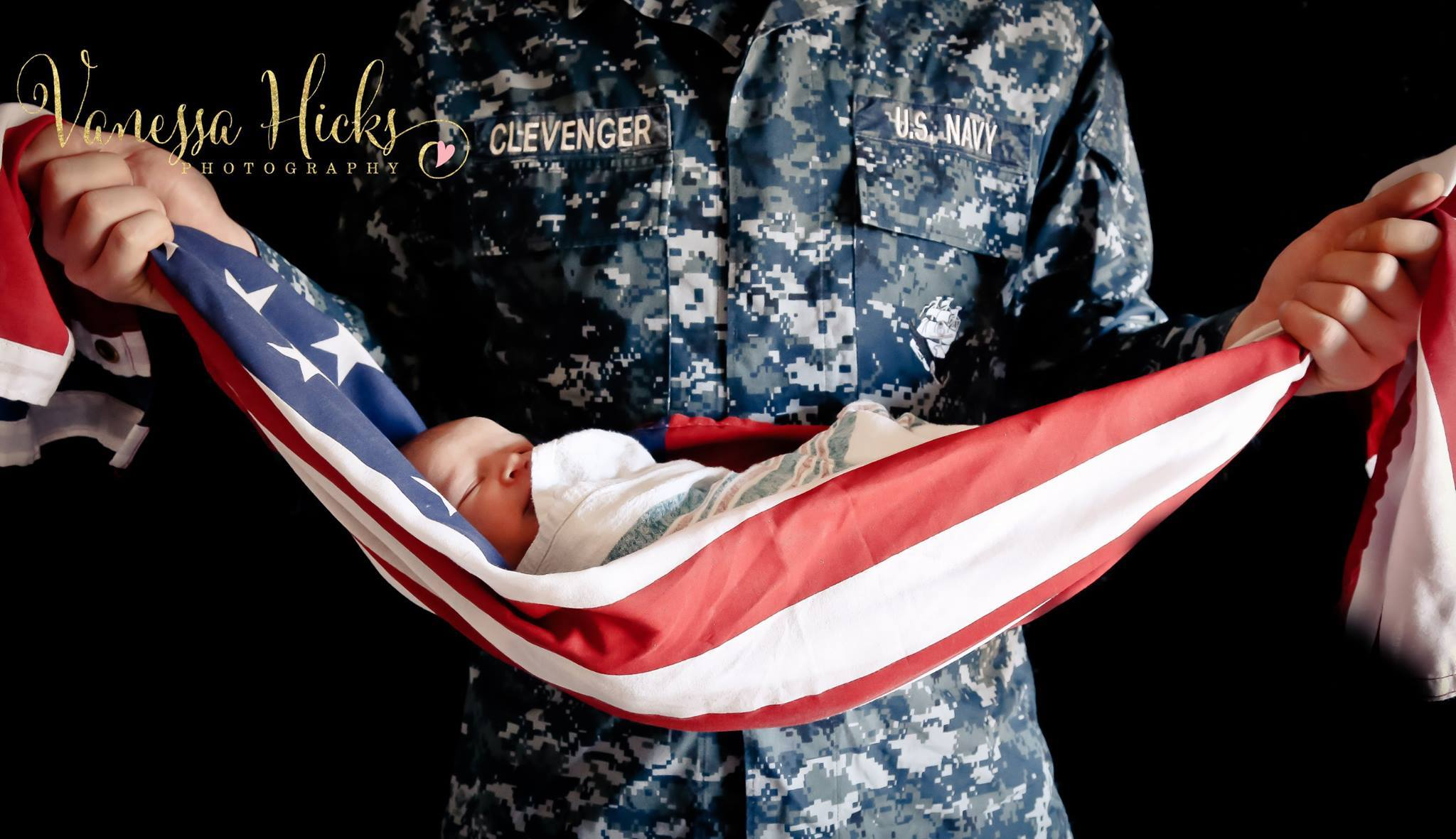 Va. photographer captures controversial photo of baby wrapped in American flag