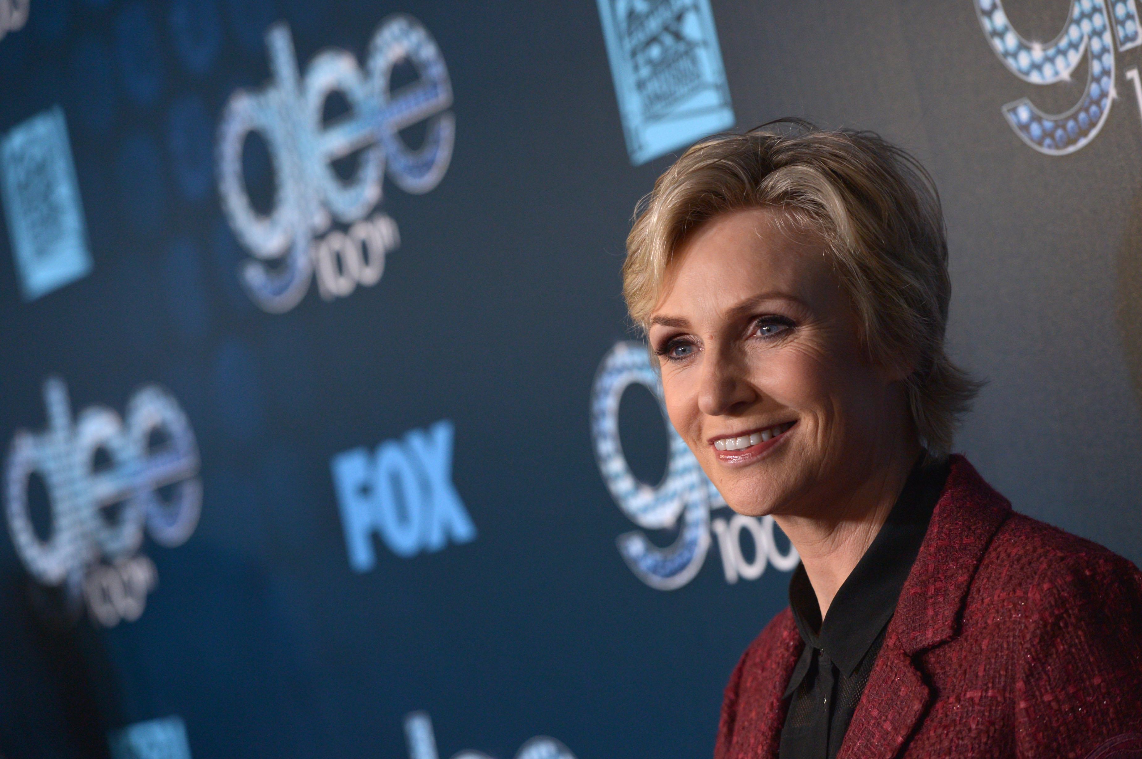 Jane Lynch talks 'Glee' finale, show at Birchmere