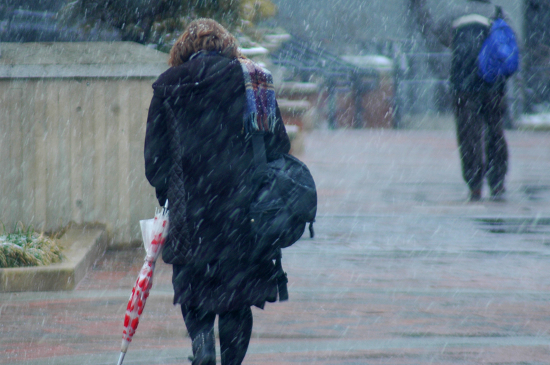 Mix of rain, snow makes for a wet Wednesday commute