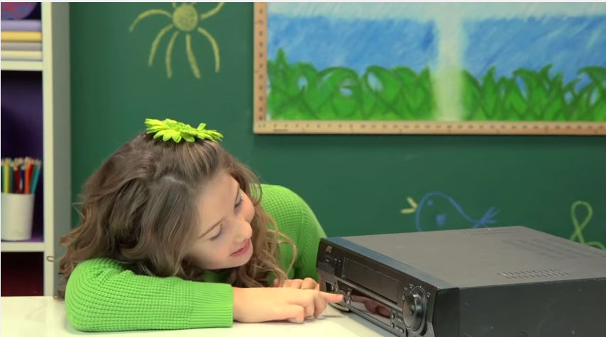 Viral video shows kids reacting to VCR player (Video)