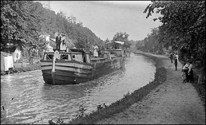 Riding the old time canal boat -- an experience that can be recaptured in the C&O canal tours this summer. (Courtesy National Park Service)