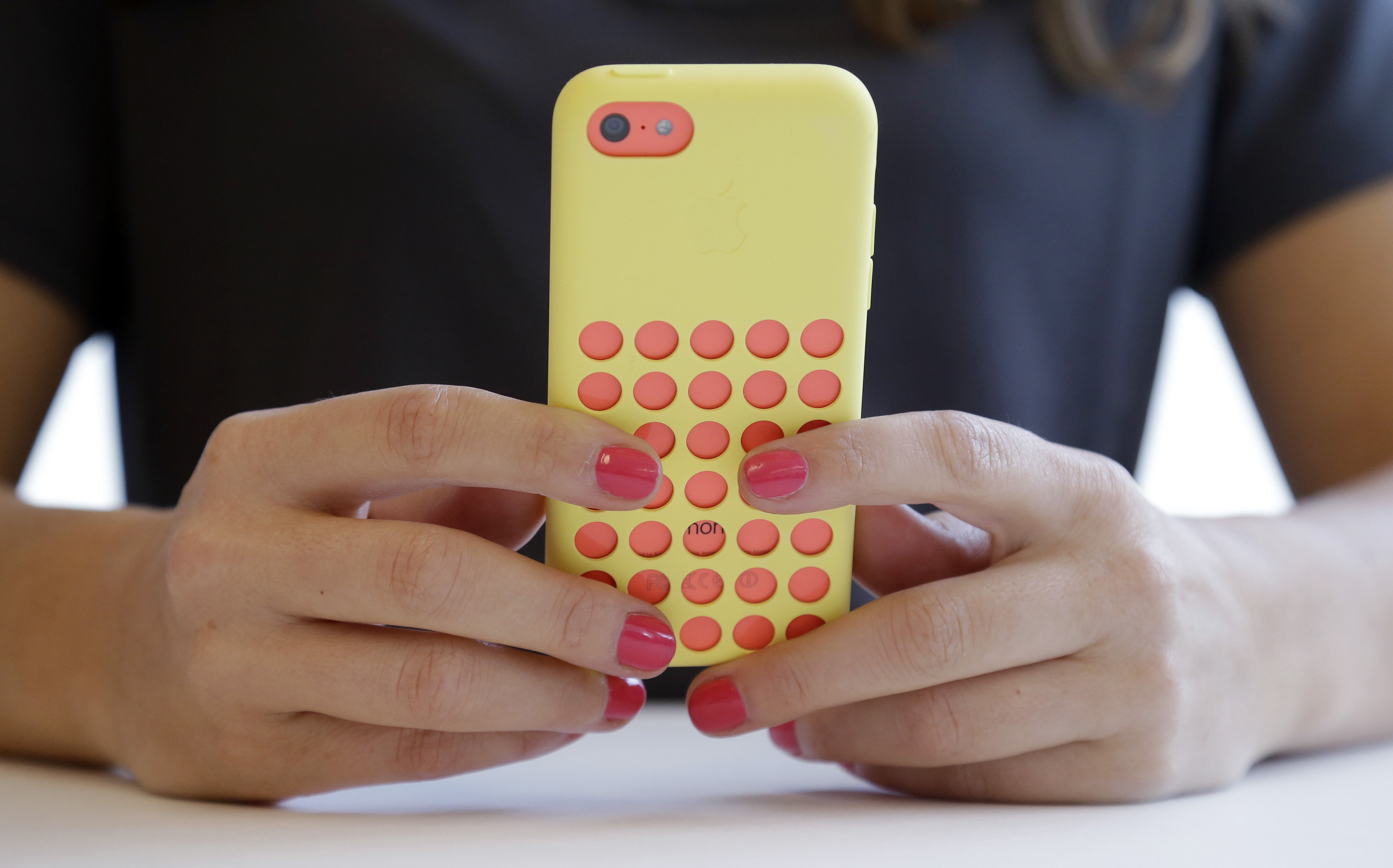 Excessive playing of Candy Crush ruptures man's tendon, fuels addiction concerns