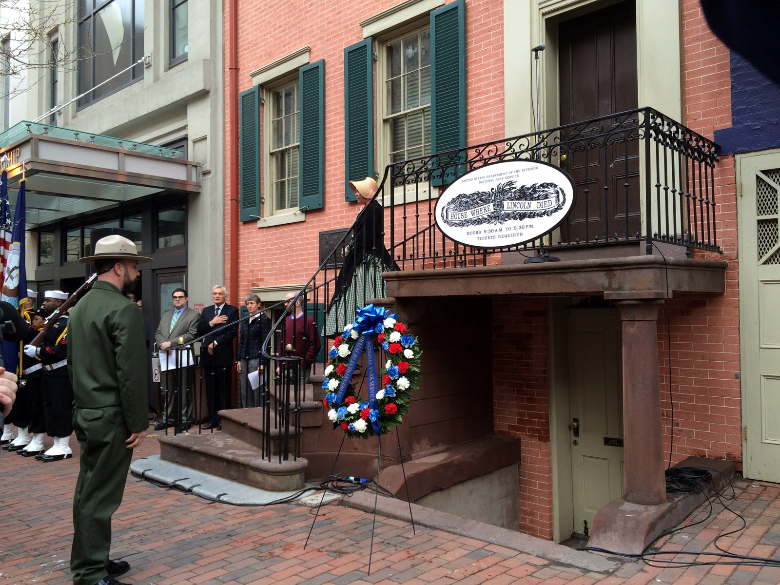 Hundreds Gather To Mark 150th Anniversary Of President Lincoln