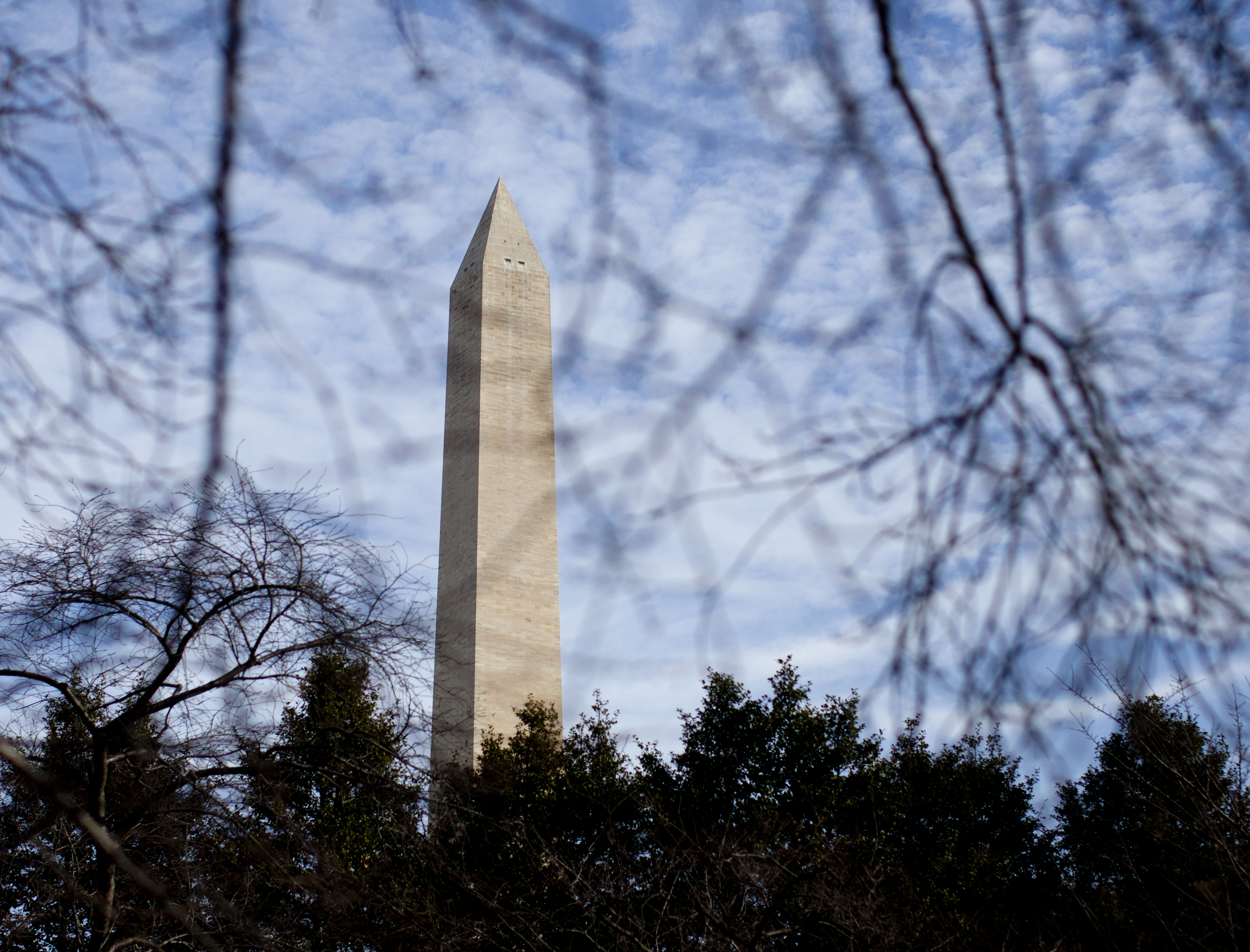 Questions remain on elevator issues at Washington Monument