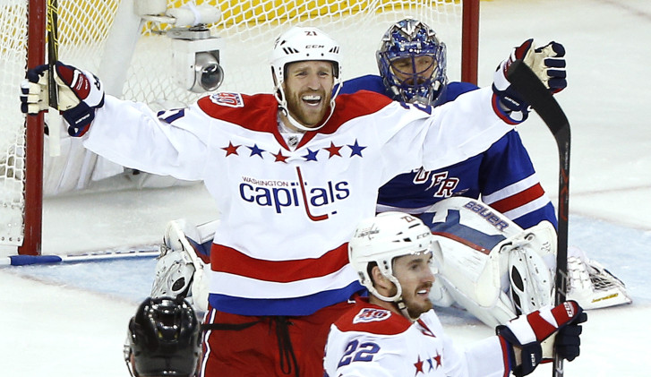 Capitals place forward Brooks Laich on waivers