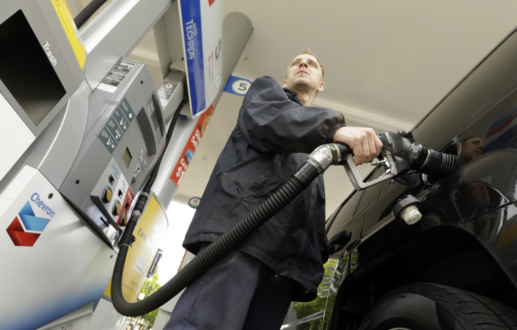 Gas prices reach 2015 high thumbnail
