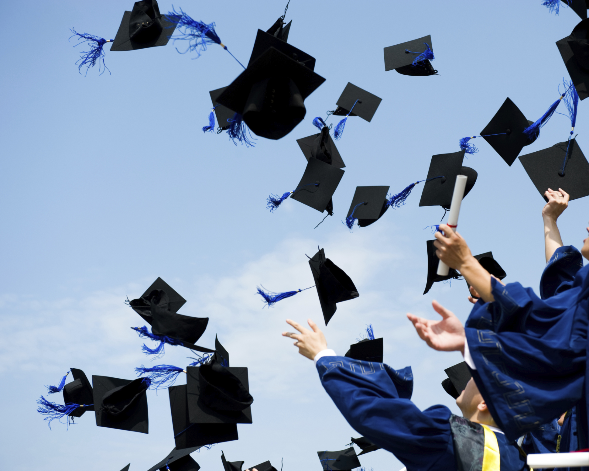 The 4 best financial gifts to give a college graduate (other than money)