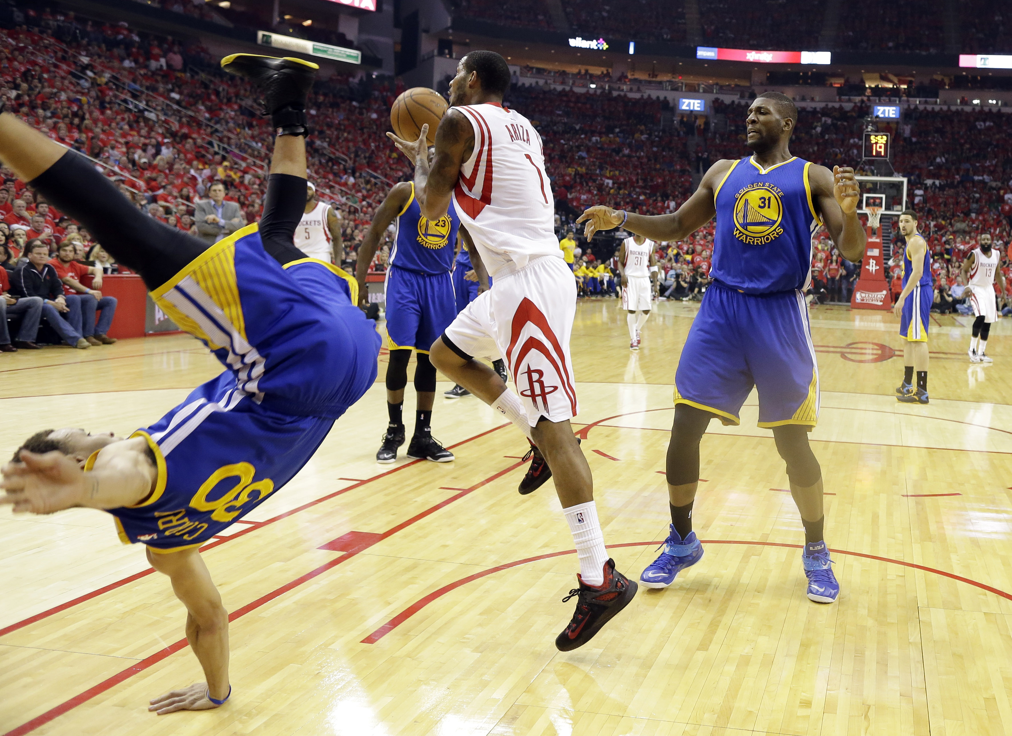 NBA MVP Curry OK after fall as Warriors lose to Rockets | WTOP