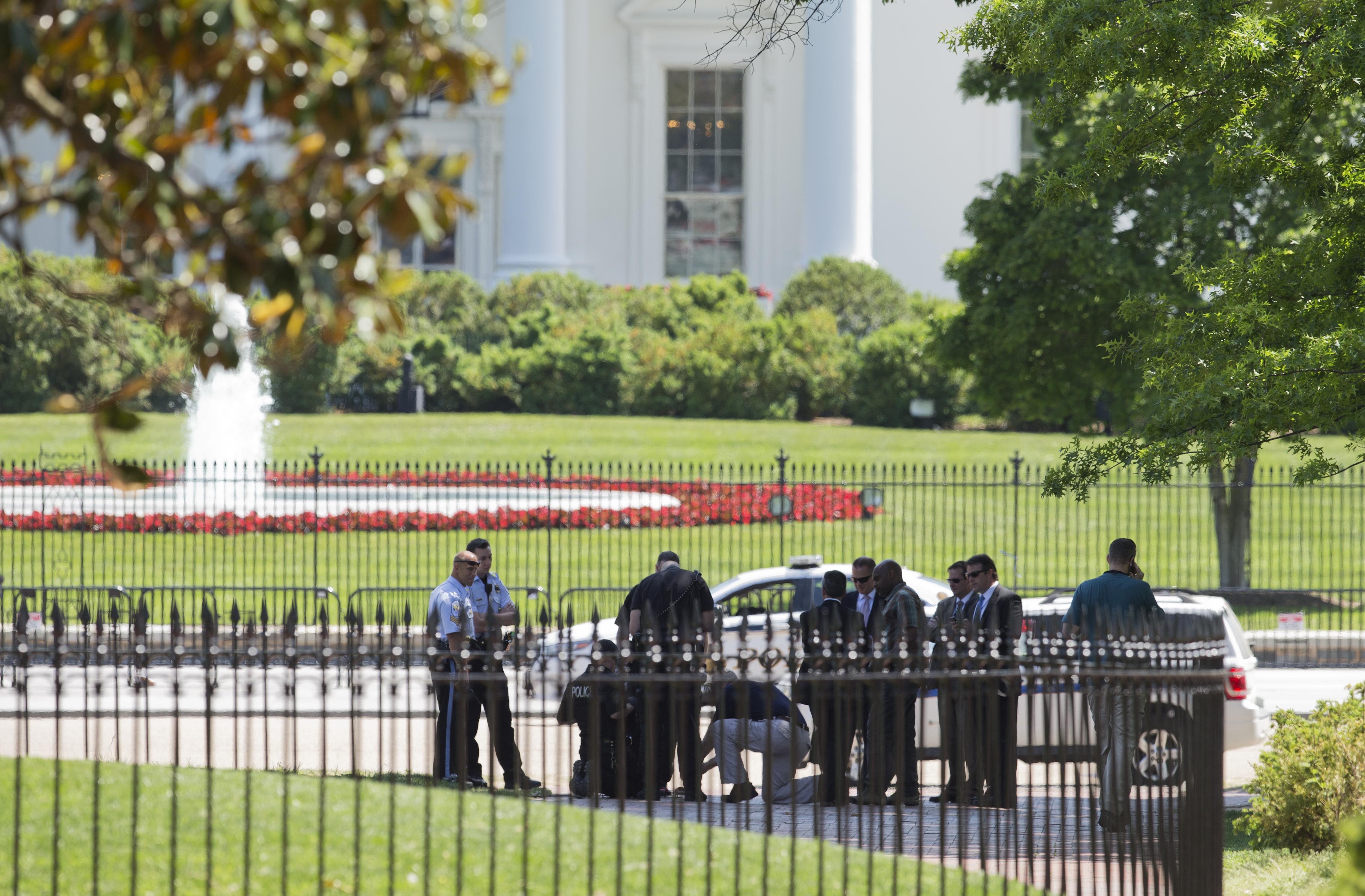 Preparation begins for White House fence improvements