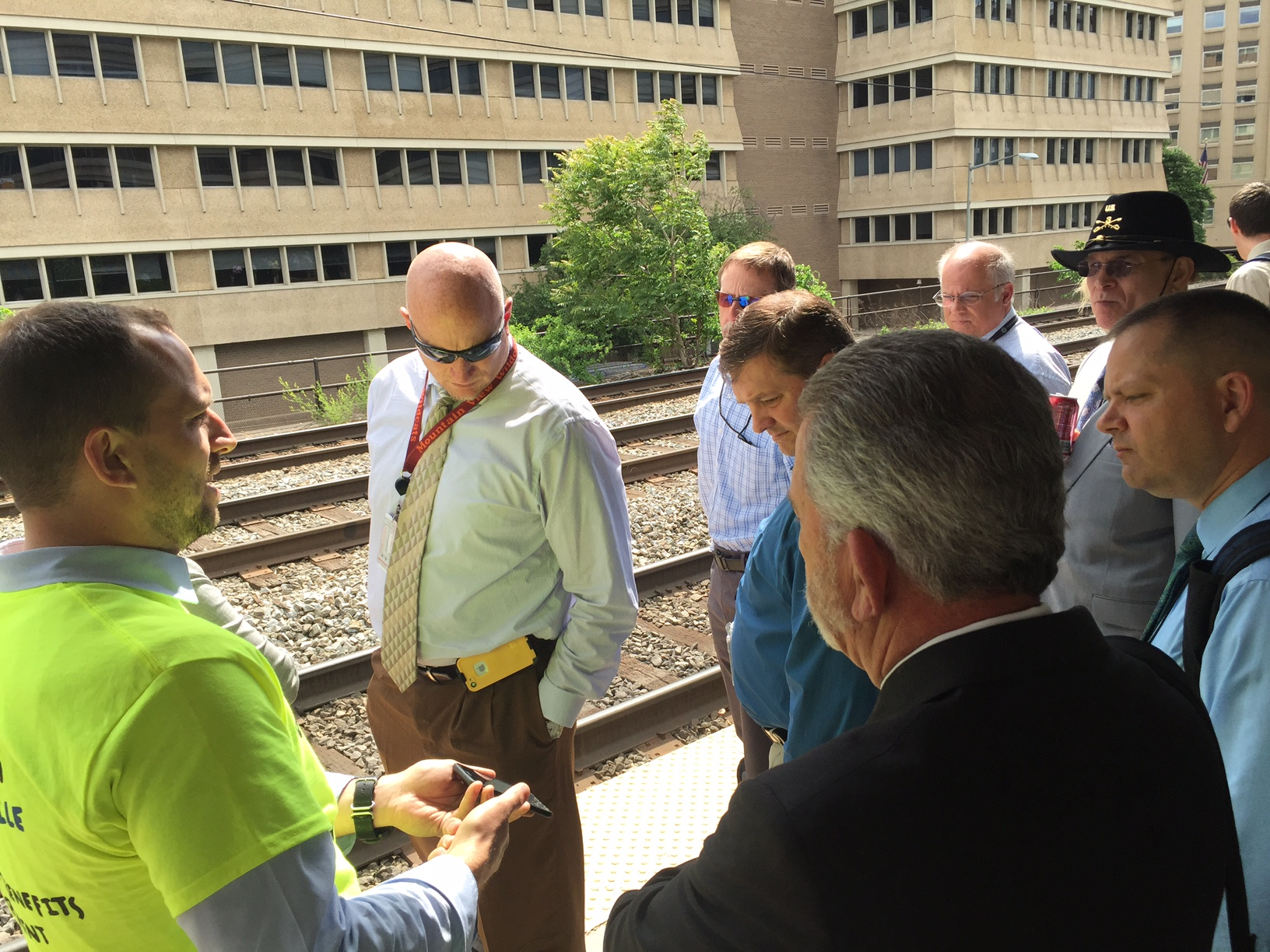 VRE launches ticket app, but many monthly riders have to wait