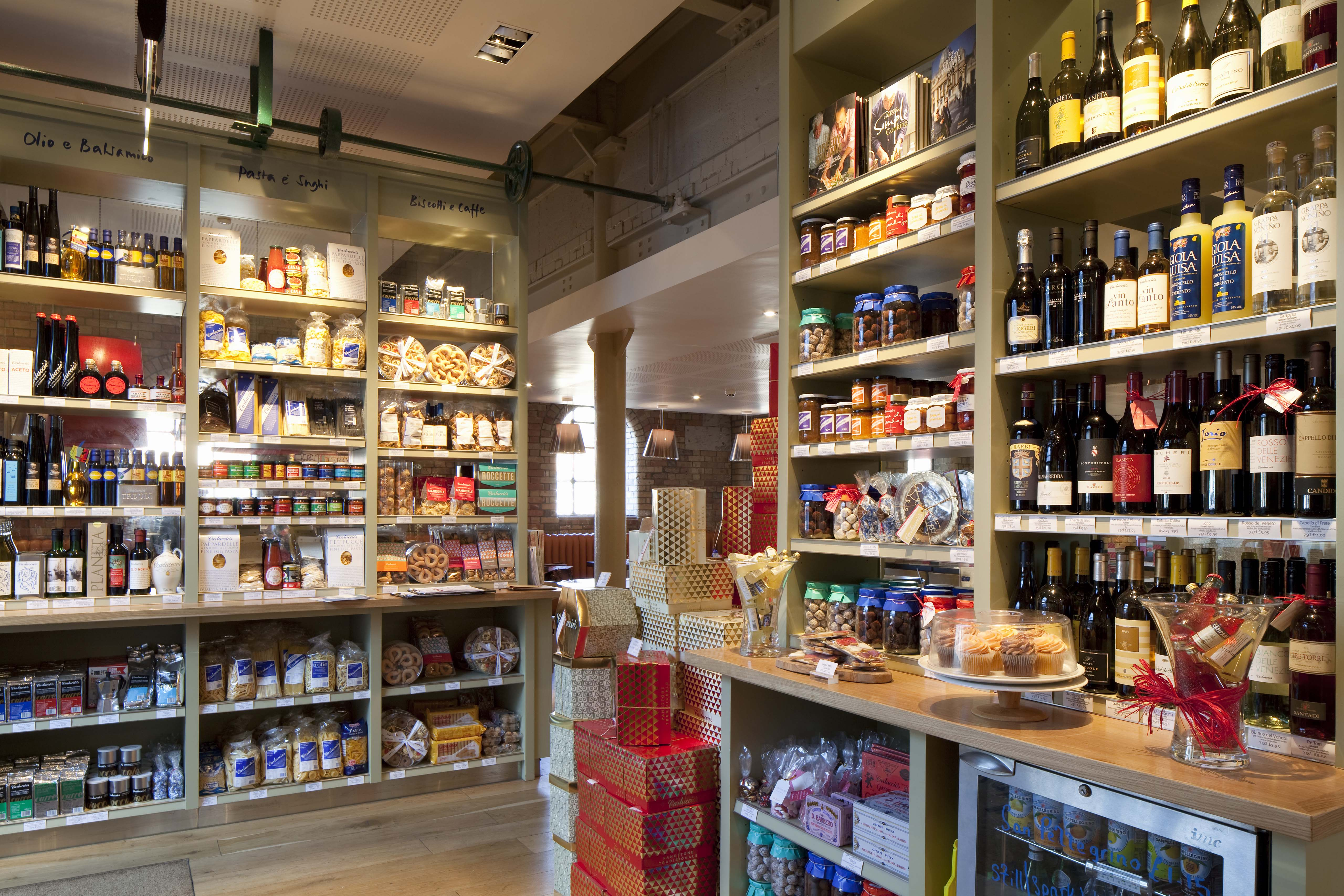 Famous Carluccio S Italian Market And Restaurant Opens In