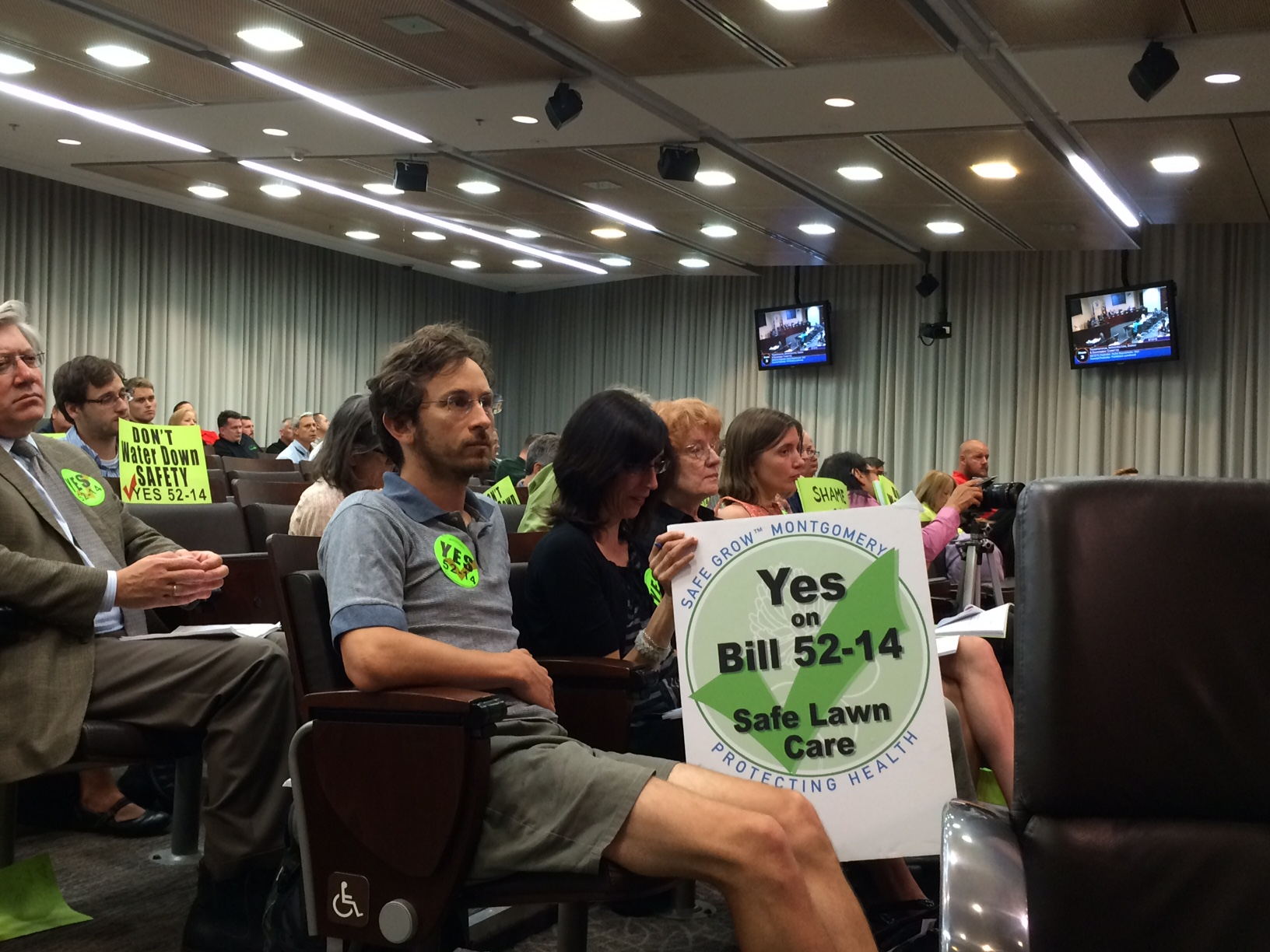 Montgomery County council discusses how best to limit pesticides