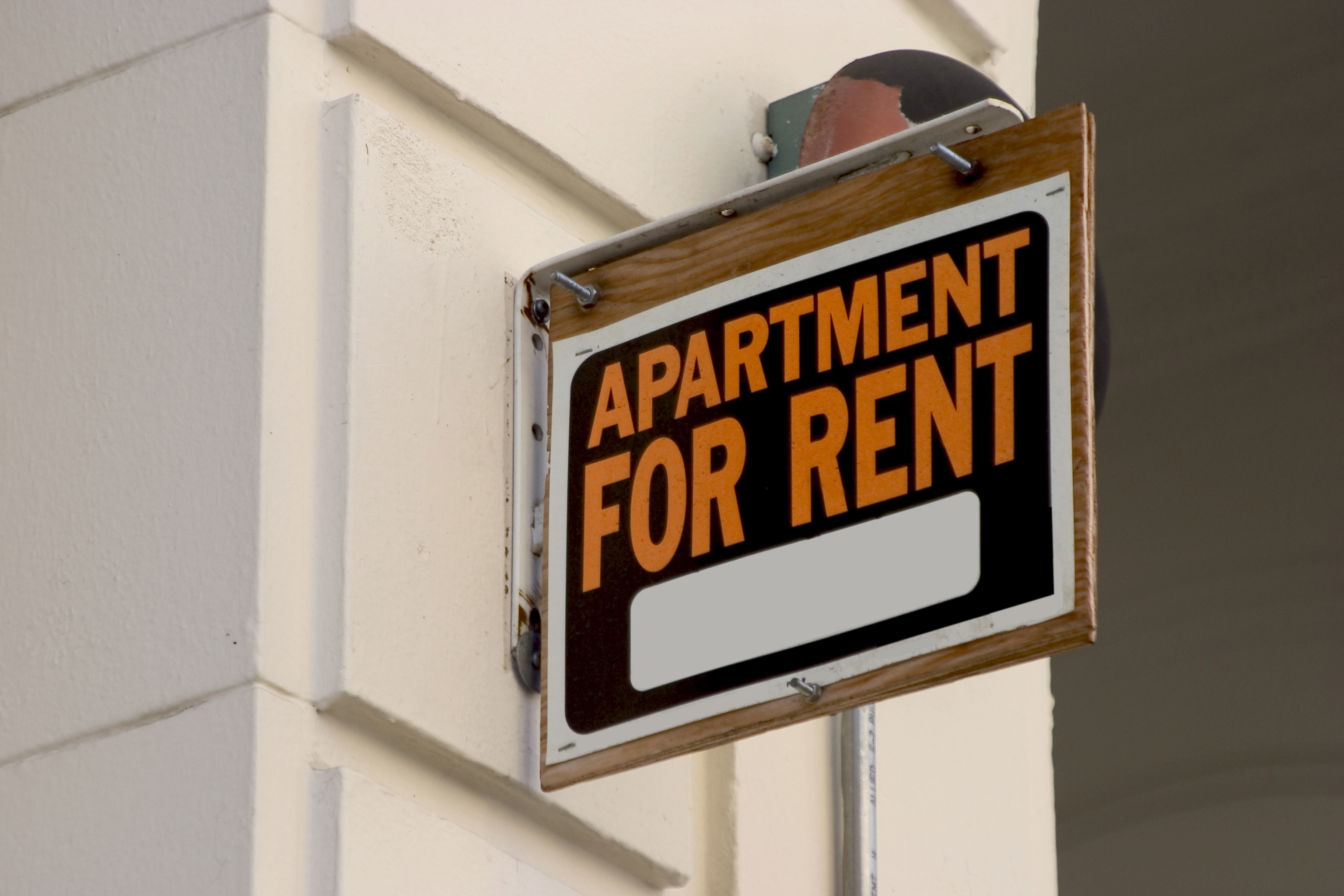 Things renters should do before signing a lease