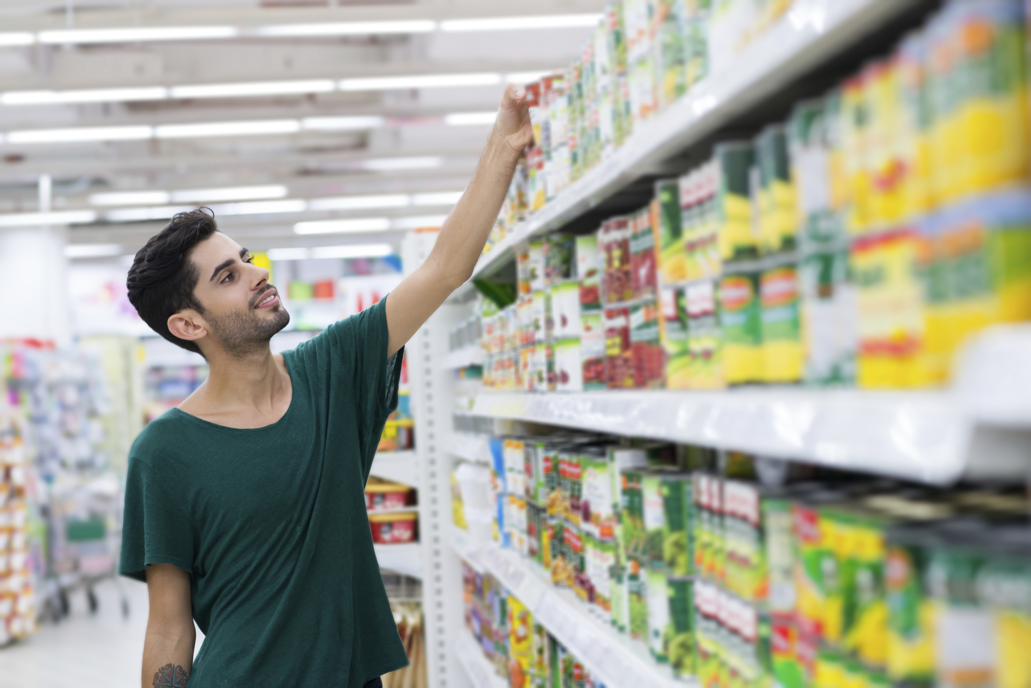 Many brands still lining canned foods with BPA, report finds