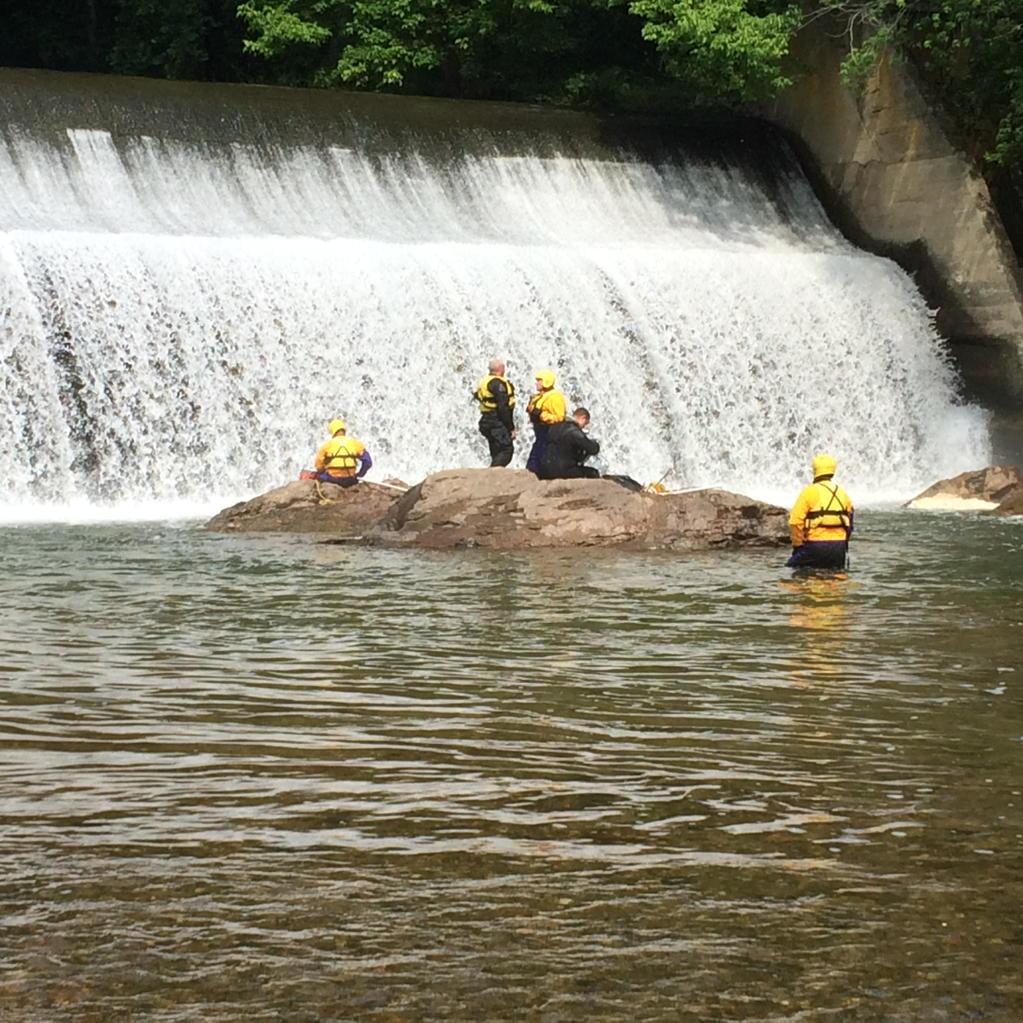 Authorities ID missing swimmer at Maryland park as search resumes