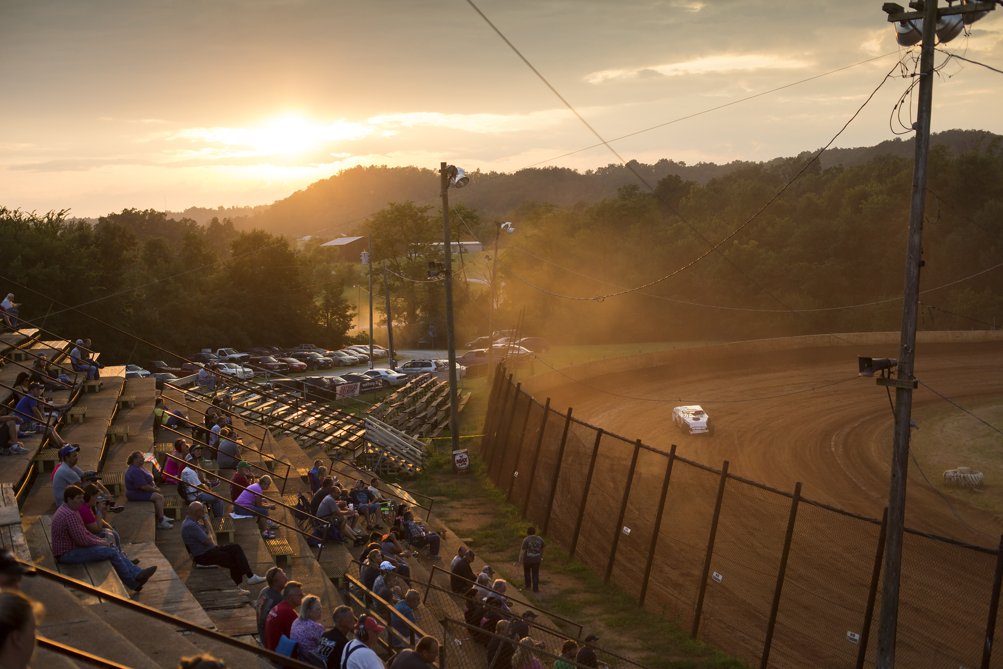 ap photos dirt track racing at the ponderosa speedway wtop. Black Bedroom Furniture Sets. Home Design Ideas