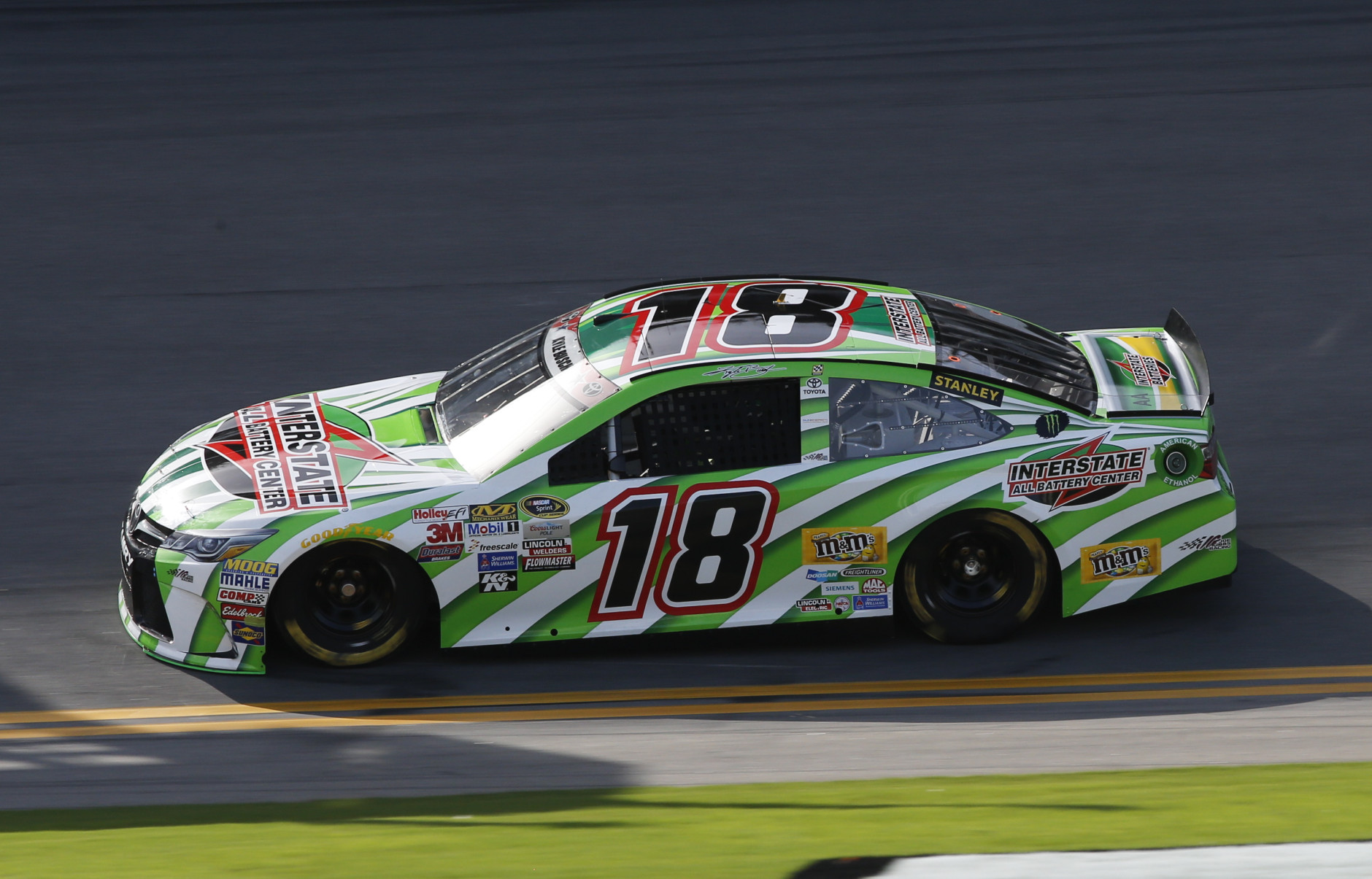 Nascar Driver Kyle Busch Wants Grass Removed From Tracks Wtop