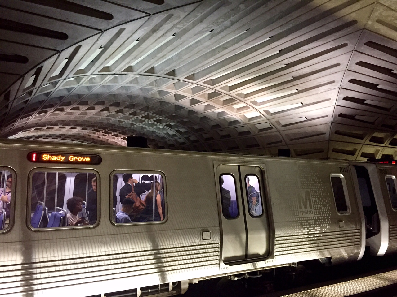 Metro Shake-up Won't Immediately Change Delays, Persistent