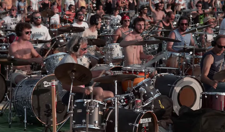 See 1,000 musicians play Foo Fighters song at the same time