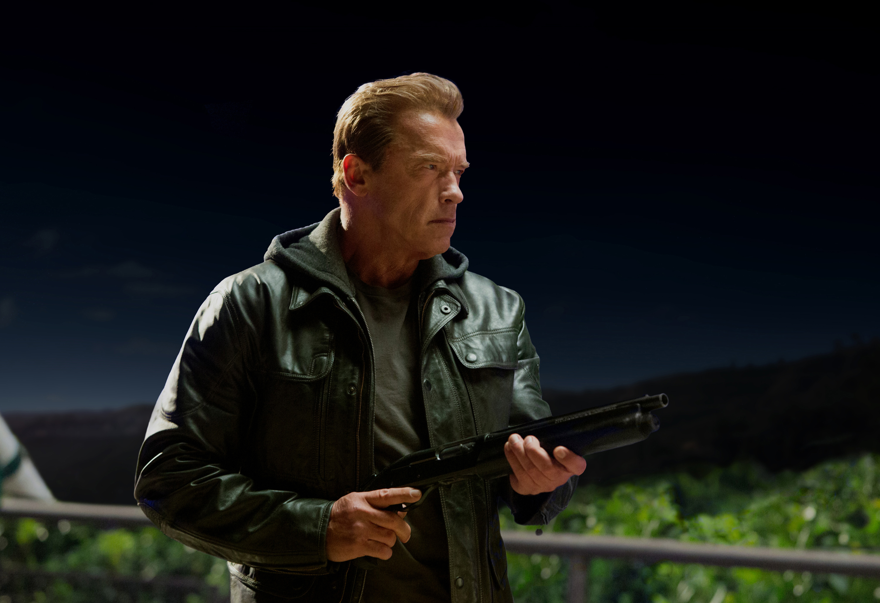 Review: 'Terminator 5' proves the franchise needs to be terminated
