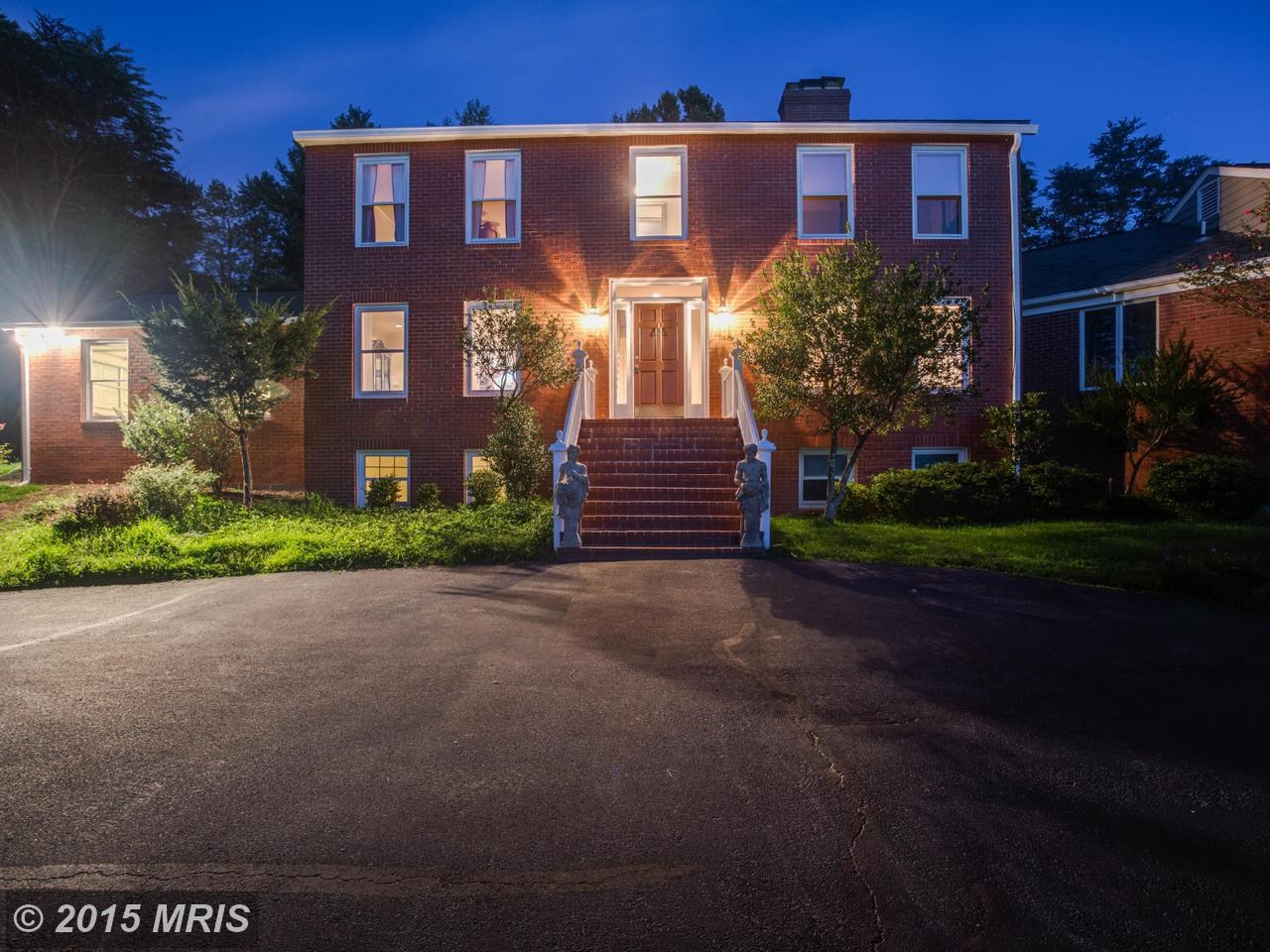 The McLean home owned by former Vice President Dan Quayle and his wife, Marilyn, will be sold at auction. (Courtesy MRIS)