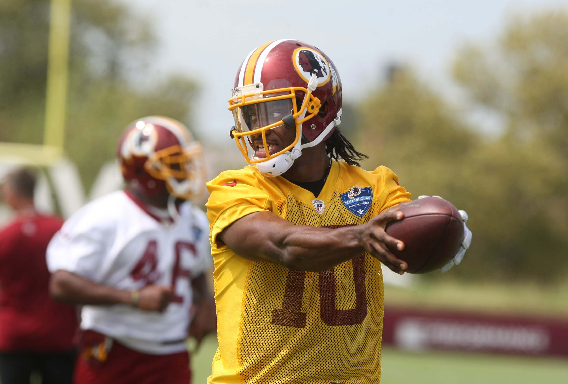 RG3 expected play at least a quarter in preseason opener