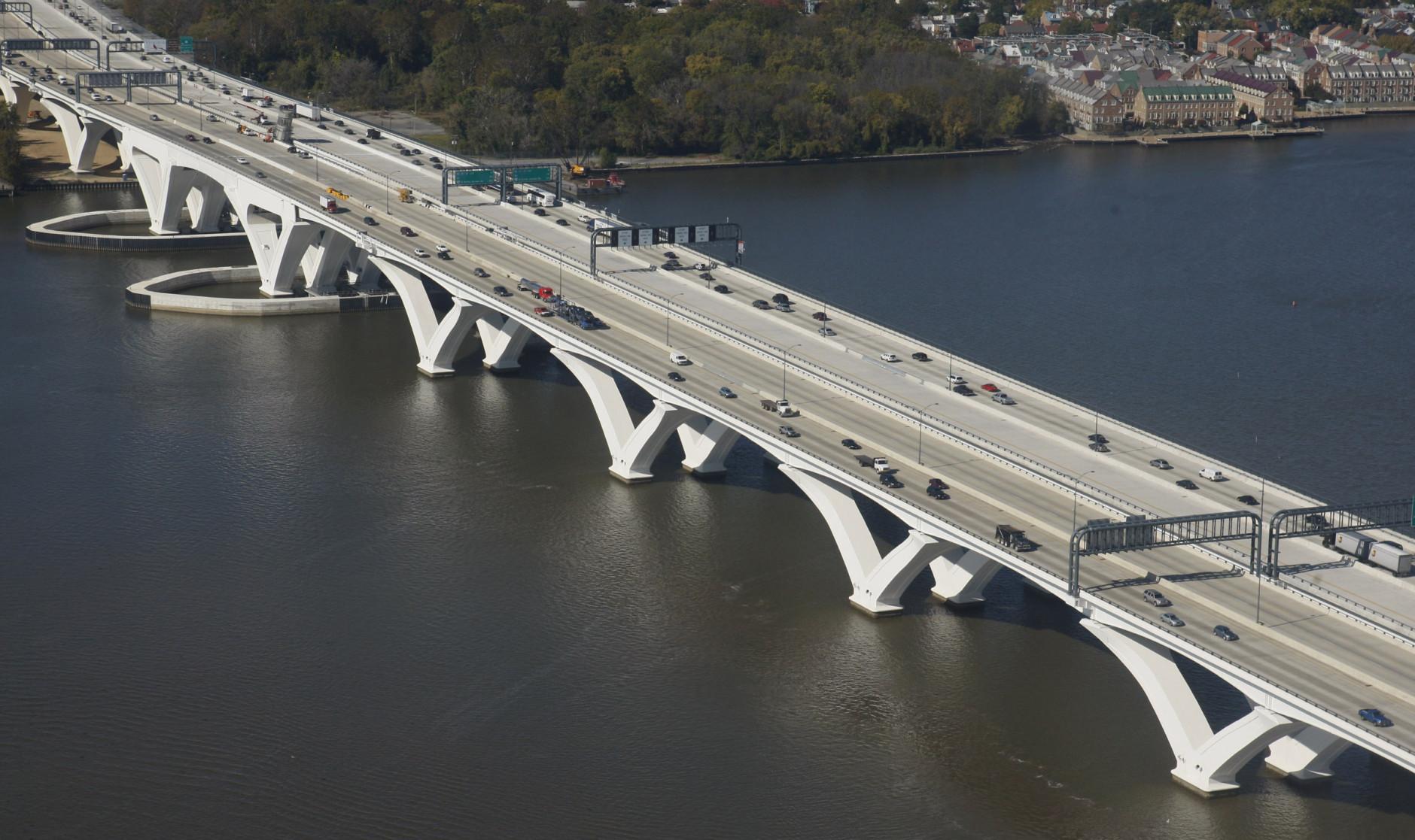Miles-long backup as overturned fuel tanker blocks Inner Loop lanes in Maryland