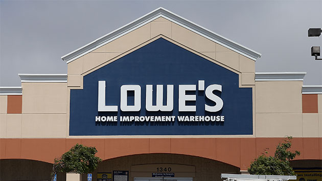 Lowe's Makes Manhattan Debut with High-Tech Stores