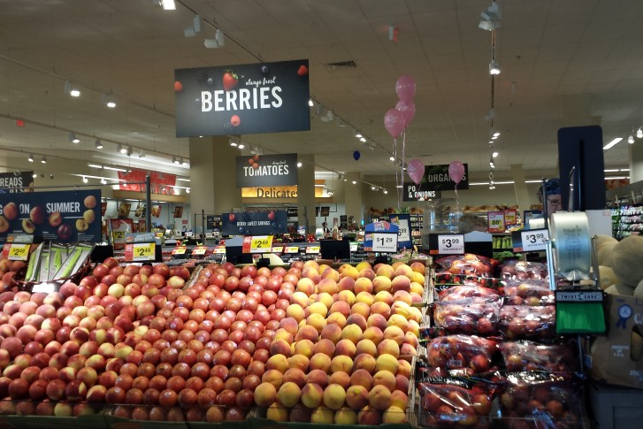 the giant produce department features organic and non organic foods as well as a number of gluten free options wtopcolleen kelleher - What Stores Will Be Open Christmas Day
