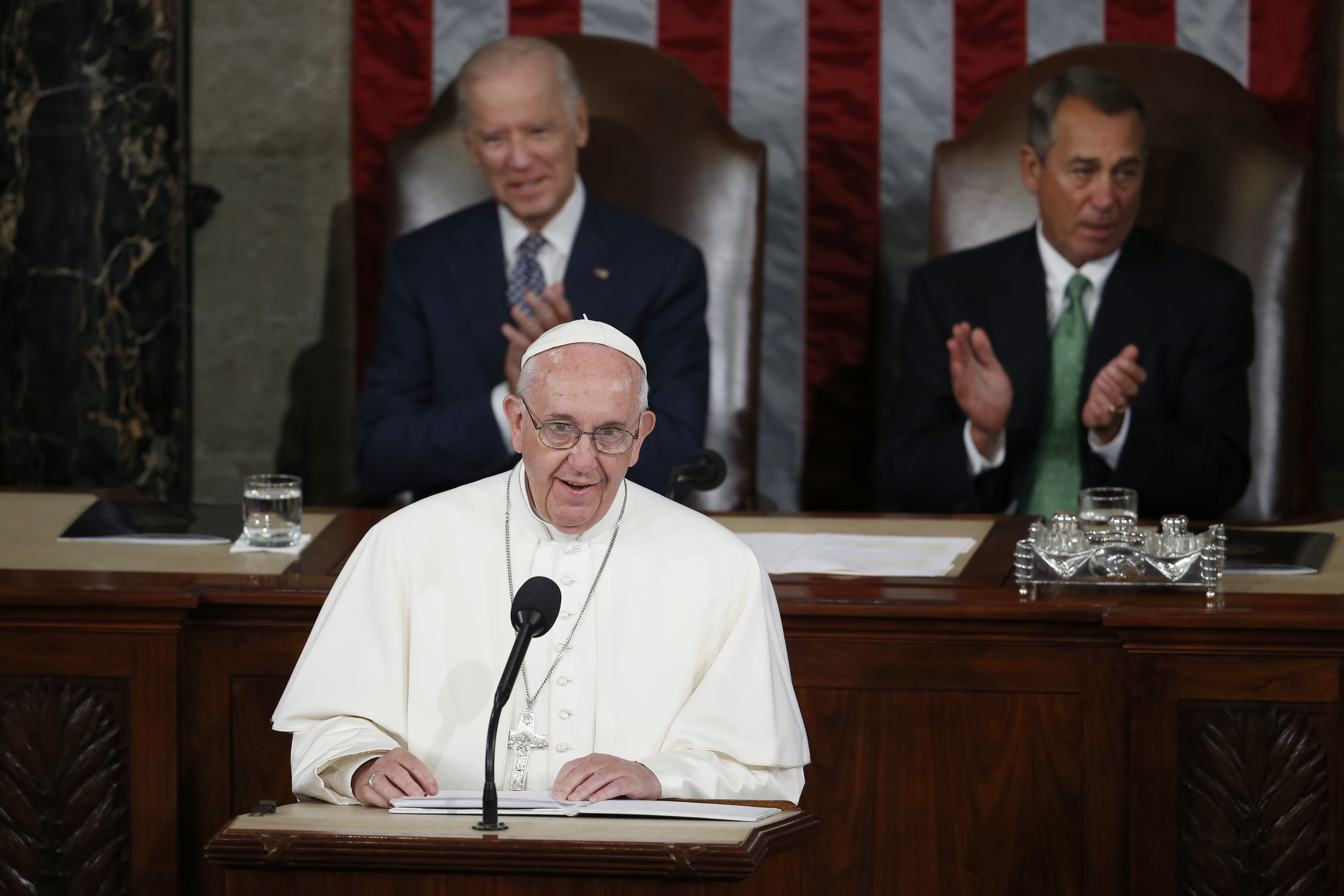 Pope urges Congress to abolish death penalty, embrace immigrants