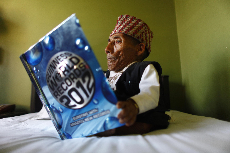 World's shortest man dies at age 75