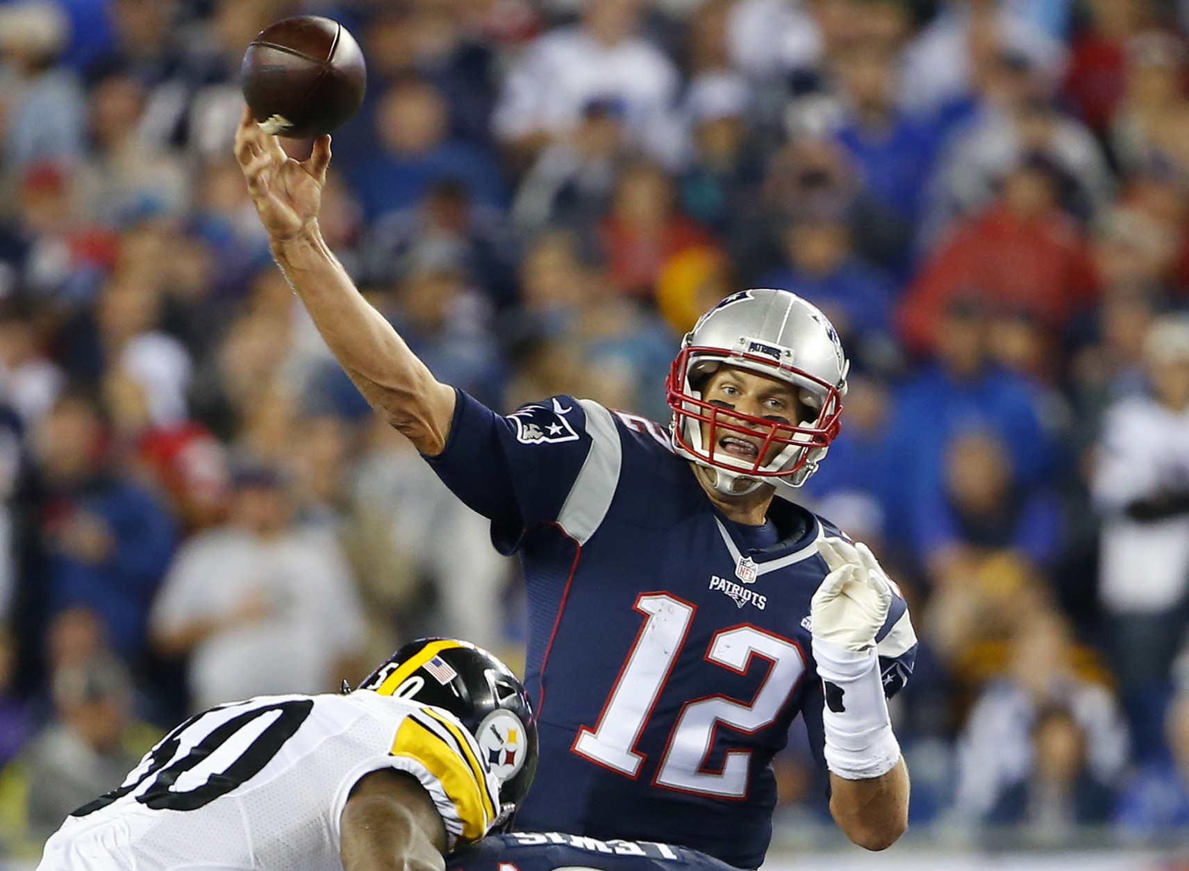 New England Patriots quarterback Tom Brady throws against the Pittsburgh Steelers in the first half of an NFL football game, Thursday, Sept. 10, 2015, in Foxborough, Mass. (AP Photo/Winslow Townson)