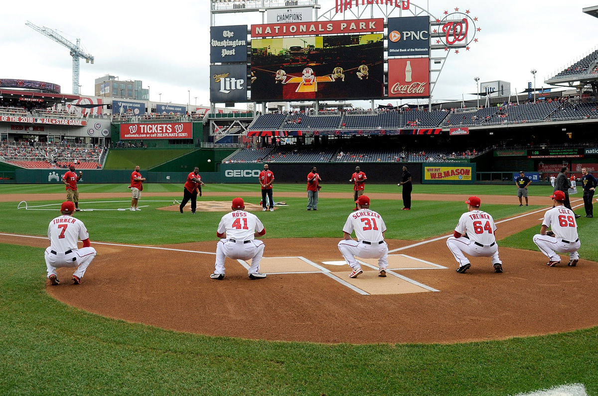 Redskins throw out first pitch at Nationals Park