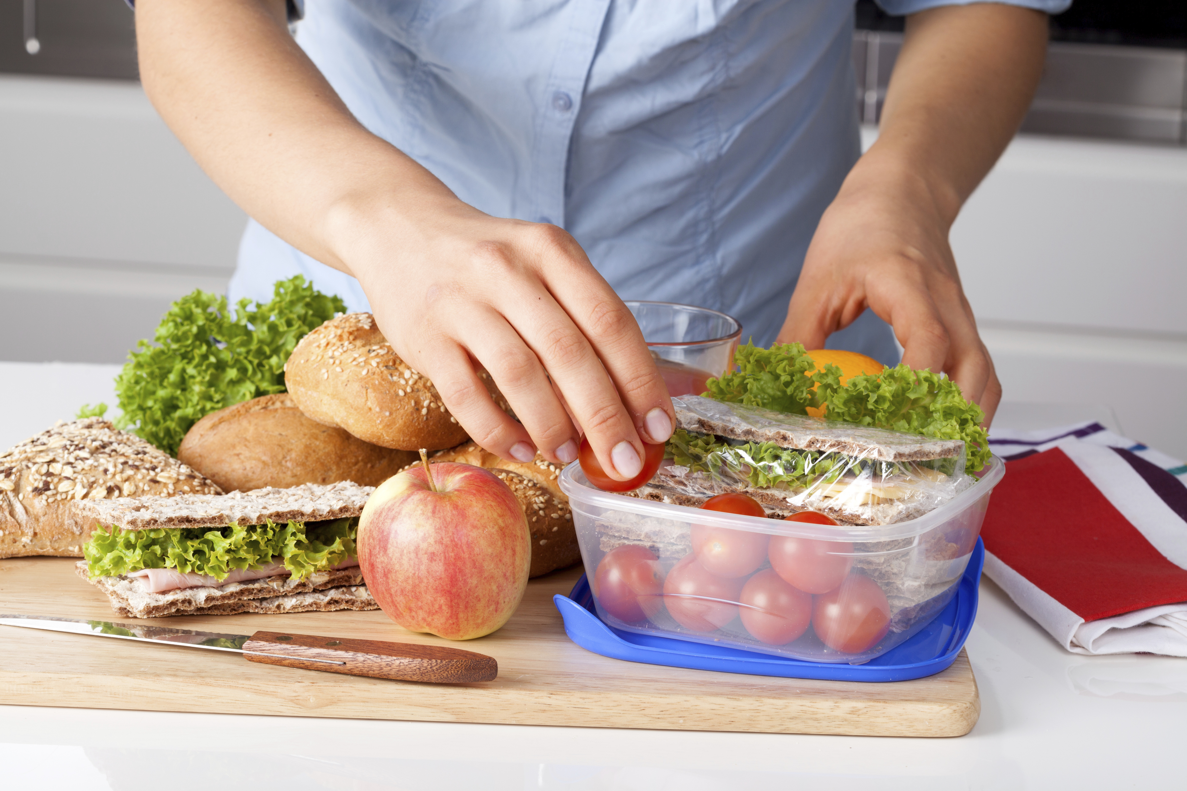 Tips for making healthy school lunches